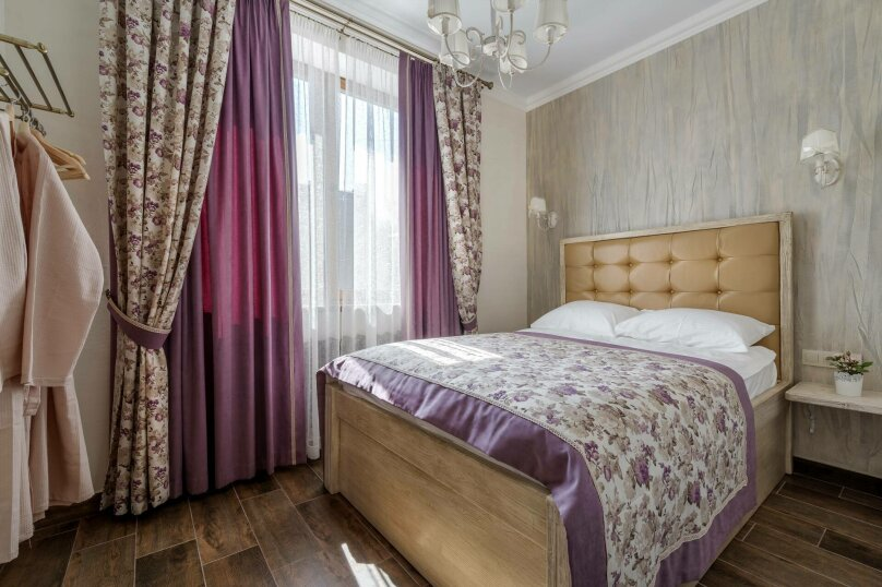 Семейный номер с 1 двухспальной кроватью, улица Дзержинского, 12А, Воронеж - Фотография 1