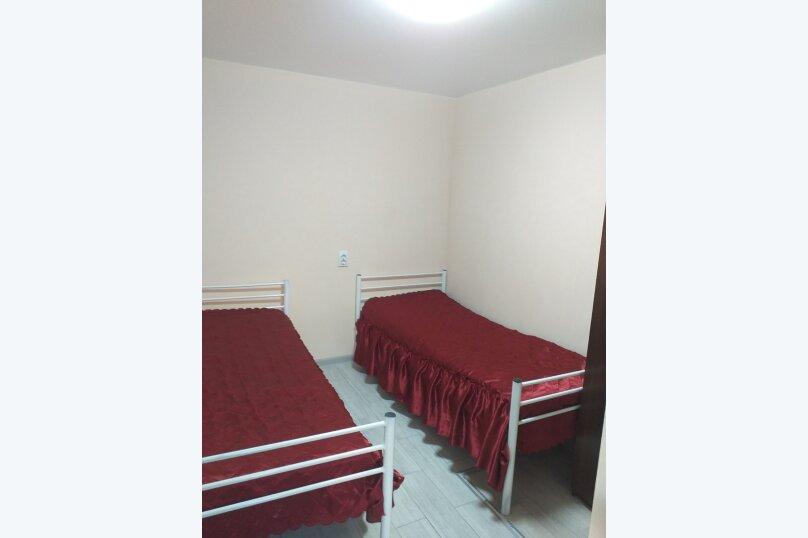 """Гостевой дом """"Аминушка"""", Таманская улица, 326 на 8 комнат - Фотография 14"""