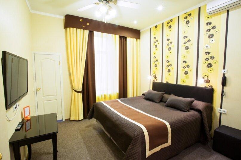 Комфортная комната с санузлом, Невский проспект, 88, Санкт-Петербург - Фотография 3