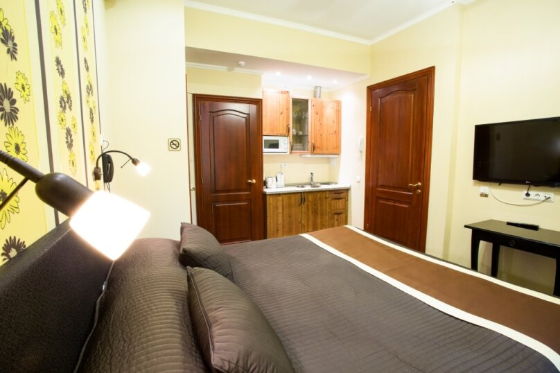 Семейная комната с мини-кухней и гардеробной, Невский проспект, 88, Санкт-Петербург - Фотография 2