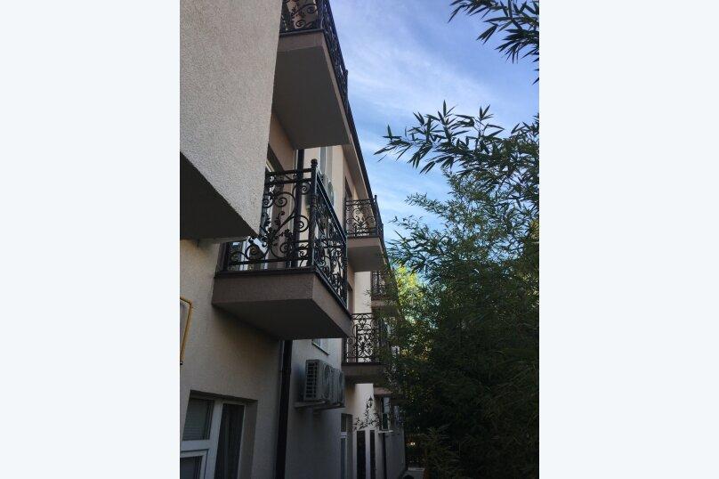Апартаменты с кухней, улица Ленина, 69, Адлер - Фотография 2