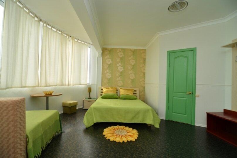 """1-комнатный номер """"Полукруг"""", улица Бедненко, 57, Рыбачье - Фотография 1"""