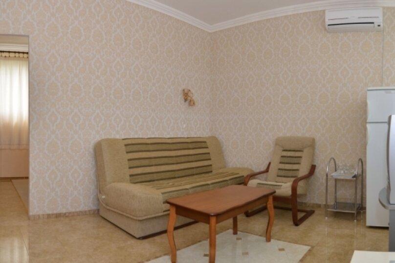 """2-комнатный люкс """"Арабика"""", улица Бедненко, 57, Рыбачье - Фотография 5"""