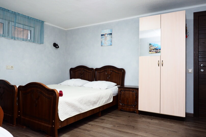 Четырехместный номер с общей ванной комнатой , Фигурная улица, 49, Адлер - Фотография 1