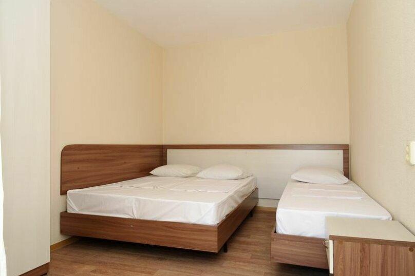 3-х местный1-й этаж, Заводская улица, 55, Витязево - Фотография 1