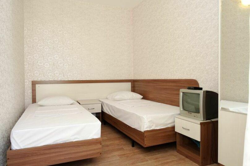 2-х местный 1-й этаж, Заводская улица, 55, Витязево - Фотография 1