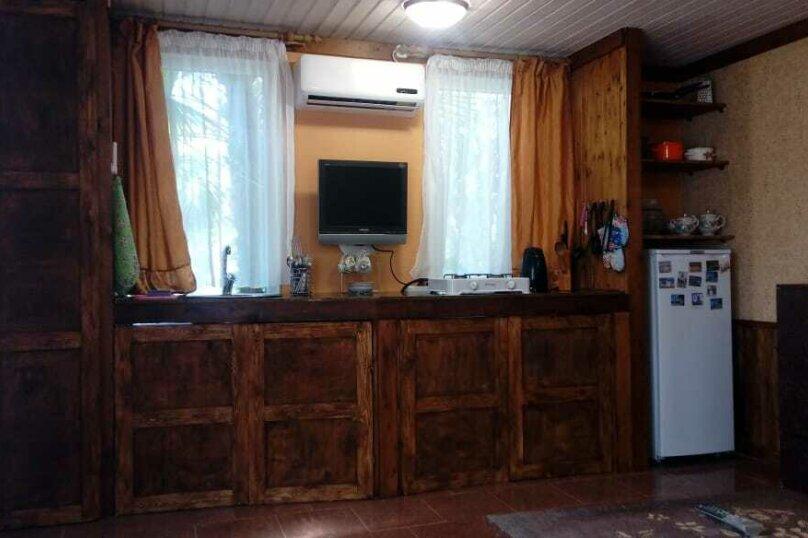 Маленький  4х местный домик , 4-й Шоссейный проезд, 18, Сухум - Фотография 6