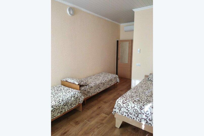 Четырехместный комфортный номер, Уютная улица, 107, Заозерное - Фотография 1