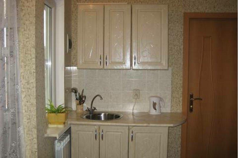 Семейный номер с кухней и балконом/террасой, улица Шмидта, 11, Ейск - Фотография 2