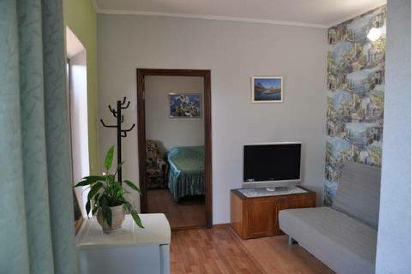 Семейный номер с кухней и балконом/террасой, улица Шмидта, 11, Ейск - Фотография 4