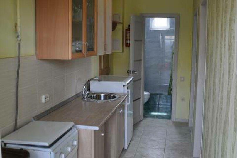 Семейный номер с кухней и балконом/террасой, улица Шмидта, 11, Ейск - Фотография 5