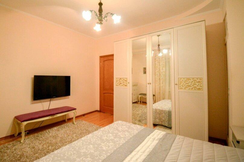 Дом неподалеку от санатория Москва, 300 кв.м. на 16 человек, 6 спален, улица Революции, 51, Кисловодск - Фотография 14