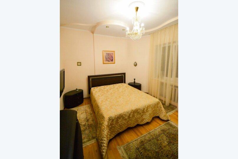 Дом неподалеку от санатория Москва, 300 кв.м. на 16 человек, 6 спален, улица Революции, 51, Кисловодск - Фотография 17