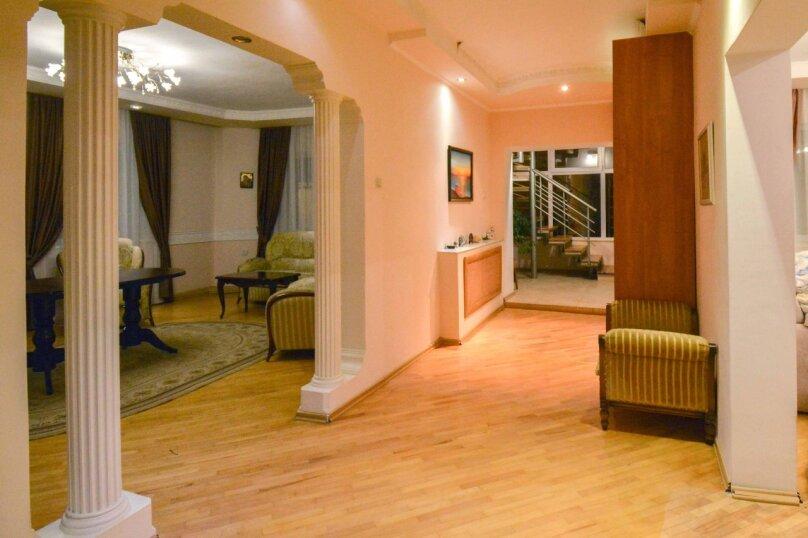 Дом неподалеку от санатория Москва, 300 кв.м. на 16 человек, 6 спален, улица Революции, 51, Кисловодск - Фотография 19