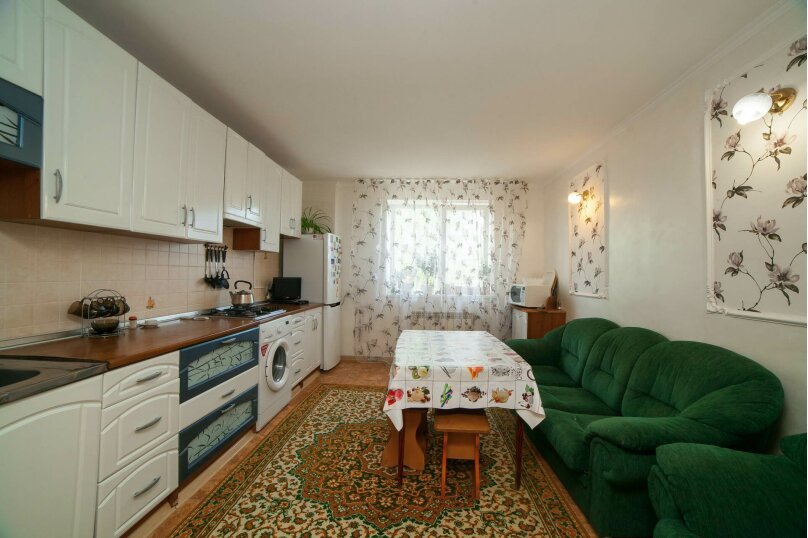 Коттедж для отдыха, второй этаж, 90 кв.м. на 7 человек, 3 спальни, переулок Леонова, 10А, поселок Приморский, Феодосия - Фотография 5