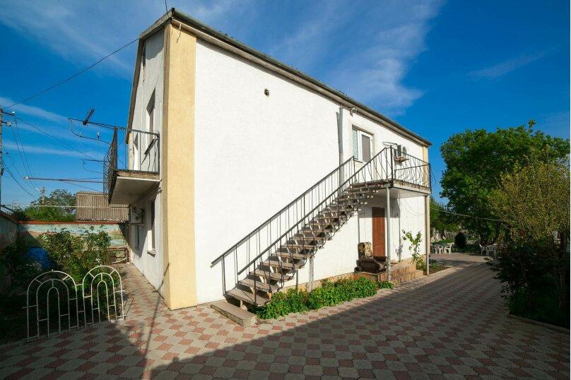 Коттедж для отдыха, второй этаж, 90 кв.м. на 7 человек, 3 спальни, переулок Леонова, 10А, поселок Приморский, Феодосия - Фотография 25