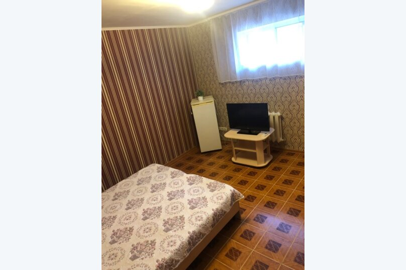 Двухместный номер с двумя раздельными кроватями бордо, улица Самбурова, 42Б, Анапа - Фотография 2