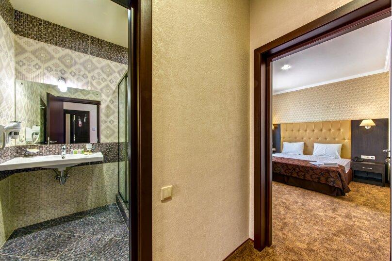 Люкс 2х-комнатный с балконом 2х-местный, улица Островского, 35, Геленджик - Фотография 8