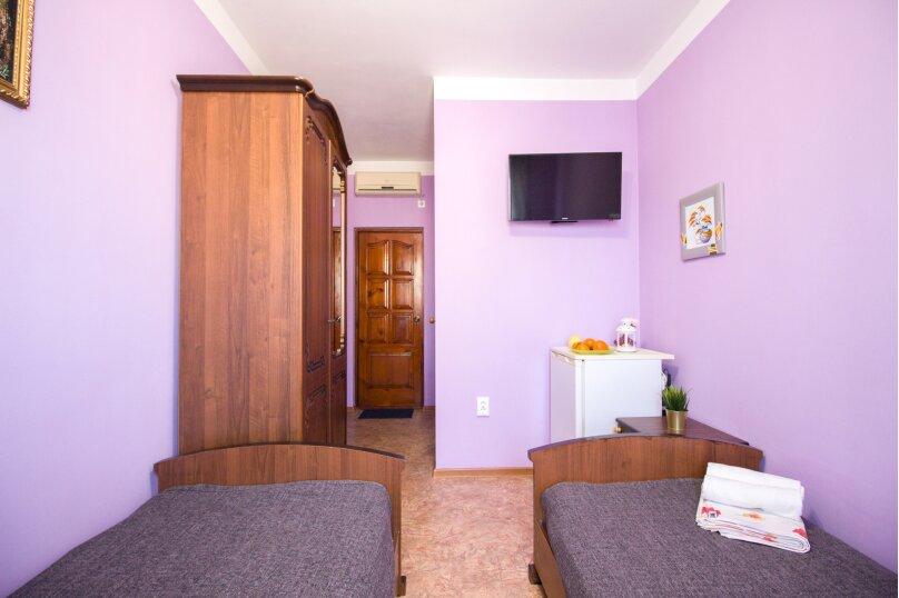 Двухместный номер с 2 отдельными кроватями стандарт, улица Свердлова, 35, Адлер - Фотография 4