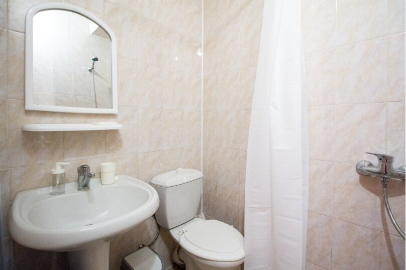 Двухместный номер с 2 отдельными кроватями стандарт, улица Свердлова, 35, Адлер - Фотография 8