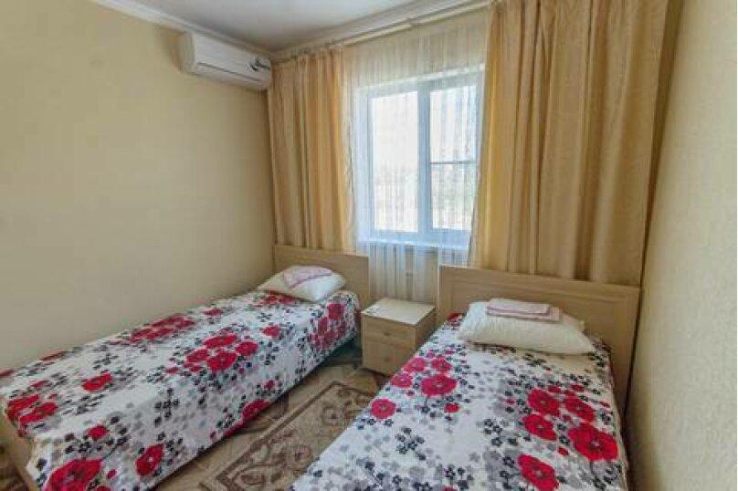 2-х комнатный номер, Ново-Западная улица, 37, ПК Кавказ, Голубицкая - Фотография 5
