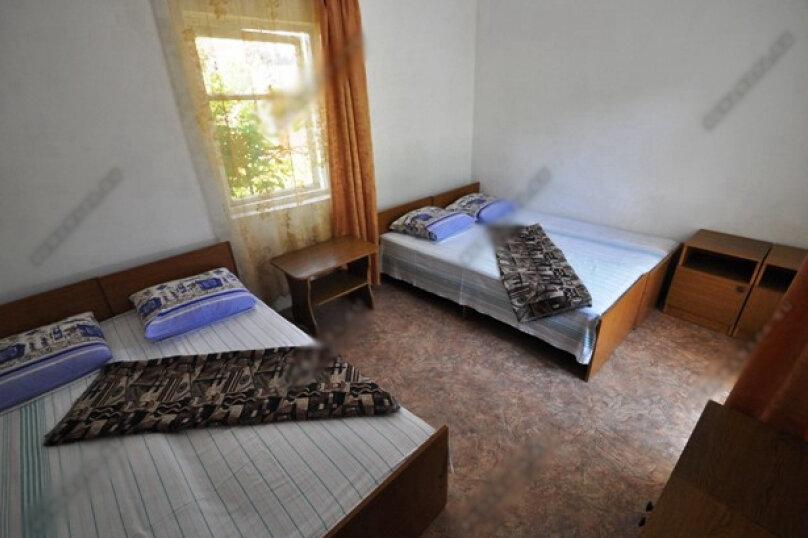 4-х местная комната с общим санузлом, Таманская улица, 135, Благовещенская - Фотография 1