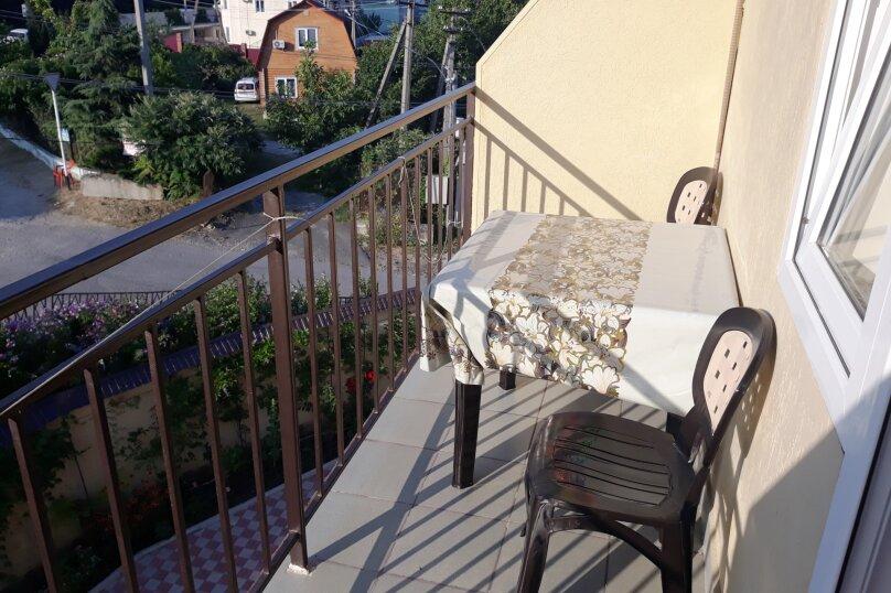 4-х местный стандарт с балконом, Средний переулок, 1, Новомихайловский - Фотография 3