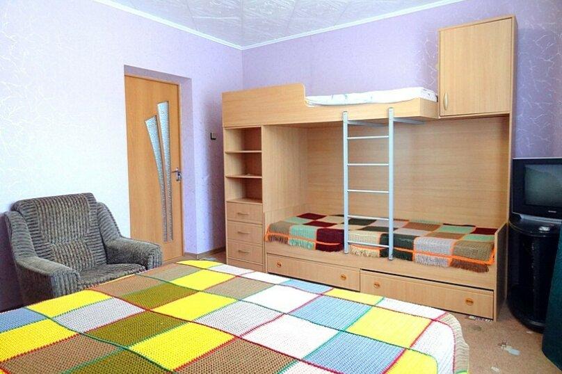 4-х местная комната с общим санузлом (на 3 комнаты), Новороссийская улица, 26, Геленджик - Фотография 3