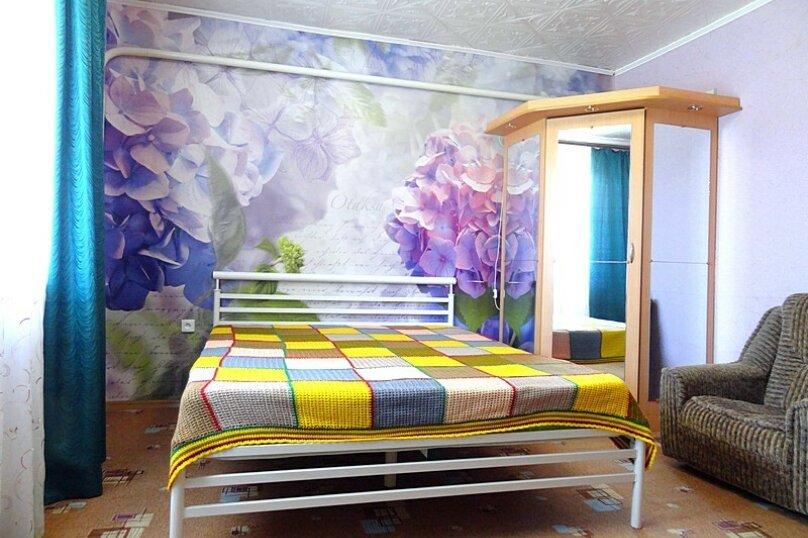 4-х местная комната с общим санузлом (на 3 комнаты), Новороссийская улица, 26, Геленджик - Фотография 1