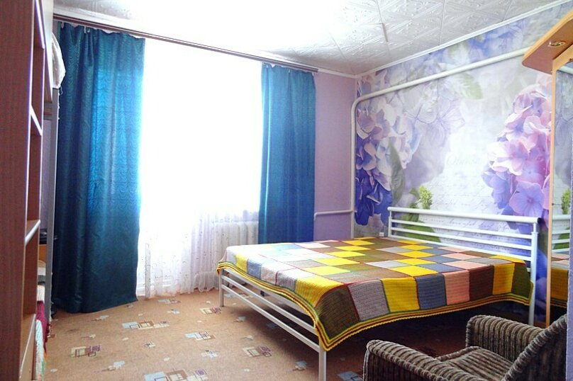 4-х местная комната с общим санузлом (на 3 комнаты), Новороссийская улица, 26, Геленджик - Фотография 4