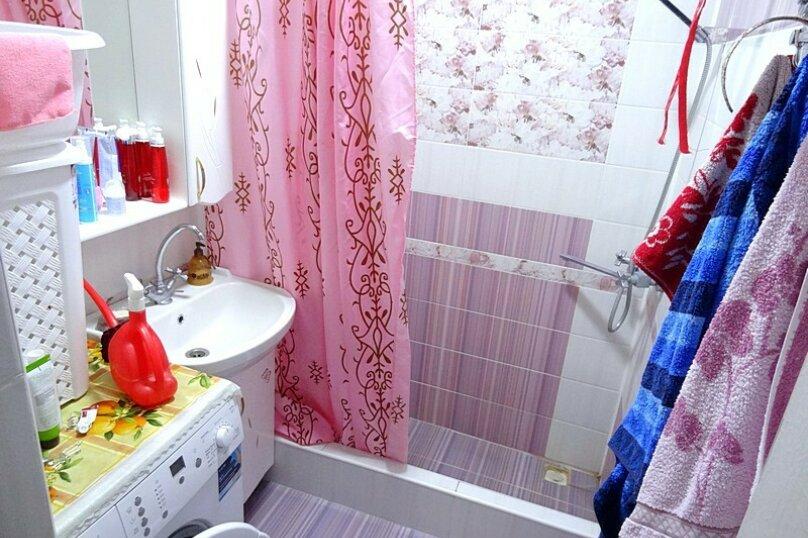 4-х местная комната с общим санузлом (на 3 комнаты), Новороссийская улица, 26, Геленджик - Фотография 5