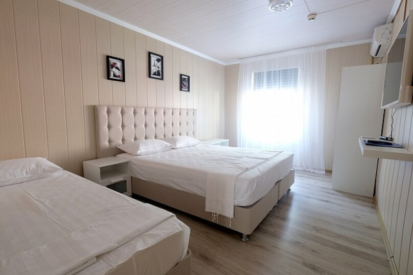 Апартаменты Стандарт 3хместный, бухта Инал, 3-й участок, Инал, Бжид - Фотография 1
