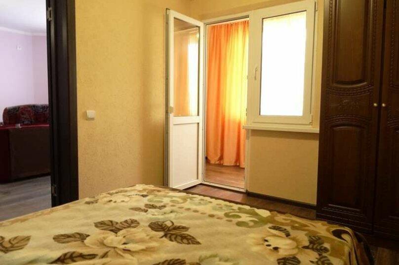 """3-х комнатный 8-ми местный номер """"Люкс"""" с кухней (1 этаж), Вишнёвый переулок, 12, Благовещенская - Фотография 2"""
