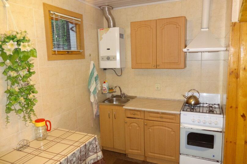 Частное домовладение на 8 человек, Октябрьская улица, 21, Алушта - Фотография 2