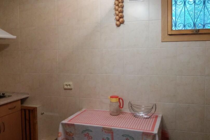 Частное домовладение на 8 человек, Октябрьская улица, 21, Алушта - Фотография 7