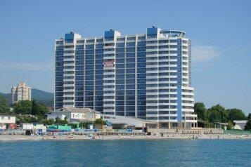 Апартаменты «В Сан-Марина»  с террасой, улица Одоевского, 87 на 2 номера - Фотография 1