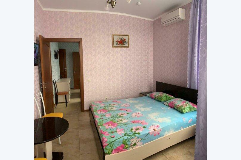 2 комнатный номер , улица Тельмана, 32, Геленджик - Фотография 2