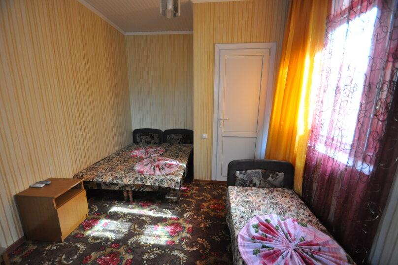 Двух местный эконом с туалетом, пер. Морской, 3, Витязево - Фотография 2