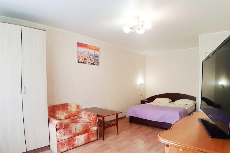 1-комн. квартира, 35 кв.м. на 3 человека, улица Цвиллинга, 53, Челябинск - Фотография 1