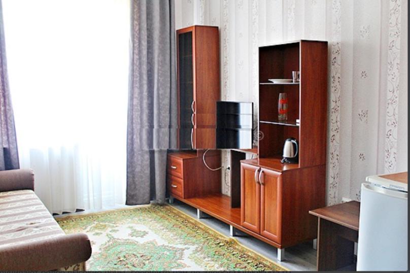 """""""Люкс"""" (2-комнатный), Приморская улица, 39, Ольгинка - Фотография 2"""