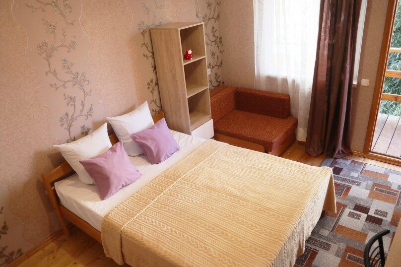 Трехместный номер с удобствами, улица Лазарева, 126, Лазаревское - Фотография 1