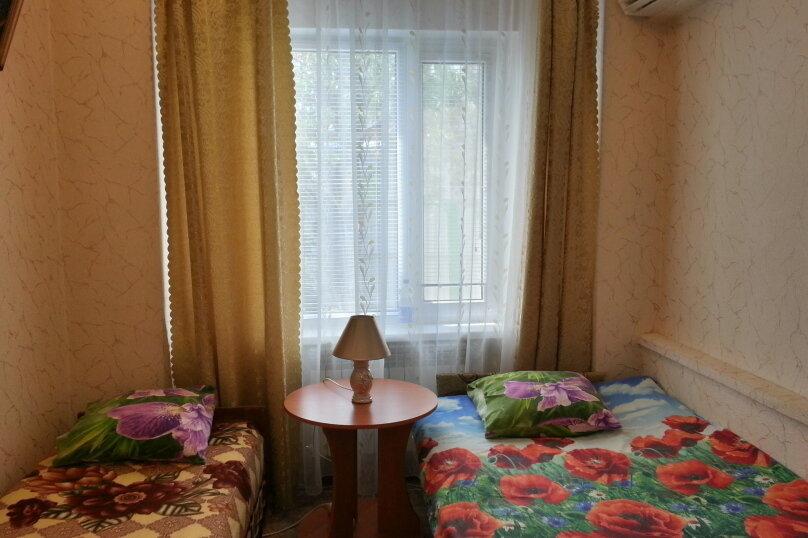 Уютный дом, 3 спальни, до 6 человек, 70 кв.м. на 6 человек, 3 спальни, Виноградная улица, 1, Судак - Фотография 4