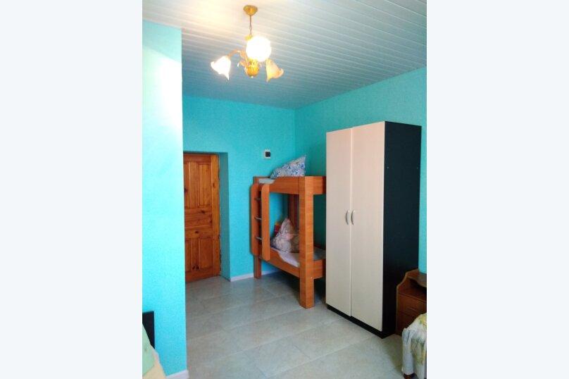 Однокомнатный  номер со всеми удобствами и двухъярусной кроватью, СТ Приморье, Ясная ул., 84, Заозерное - Фотография 9
