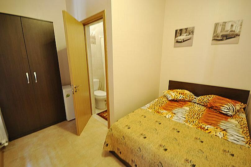 2-х местный с двухспальной кроватью №6, Морская, 29, Геленджик - Фотография 1
