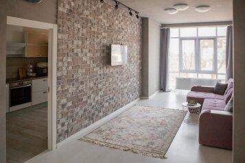 2-комн. квартира, 67 кв.м. на 4 человека, улица Спартака, 2, Ставрополь - Фотография 1