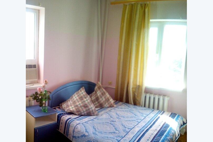 Стандарт четырёхместный с собственной ванной комнатой, улица Трудящихся, 80А, Анапа - Фотография 1