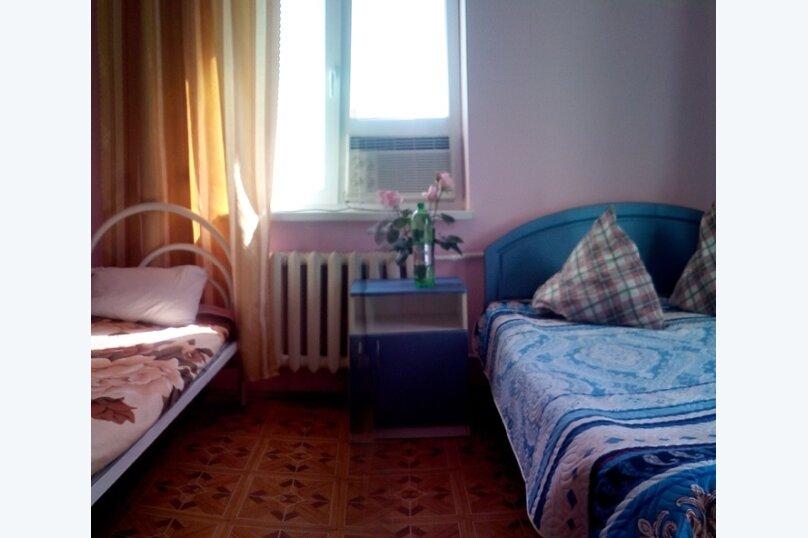 Стандарт четырёхместный с собственной ванной комнатой, улица Трудящихся, 80А, Анапа - Фотография 2