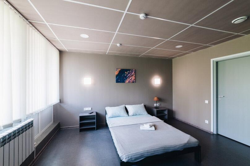 Двухместный номер с 1 кроватью, улица Воровского, 11, Челябинск - Фотография 3