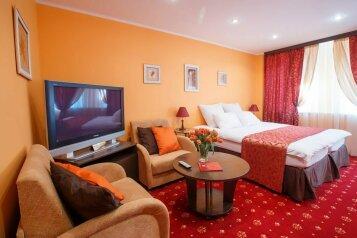 """Отель """"Jenavi Club Hotel"""", Большой Смоленский проспект, 12Б на 26 номеров - Фотография 1"""
