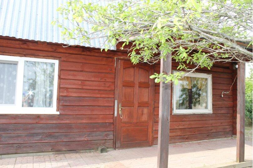 """Красивый деревянный дом, 78 кв.м. на 7 человек, 2 спальни, с/с Мысовский, СТ """"Вишня-96"""", уч 10, село Семеновка - Фотография 1"""